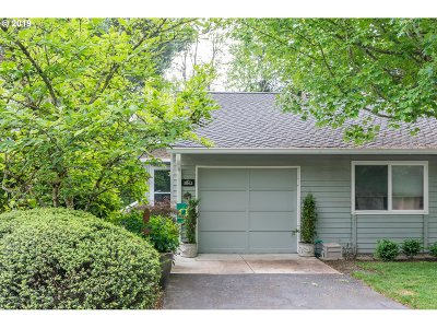 Clackamas County, Multnomah County Condo/Townhouse For Sale: 3862 Botticelli St