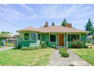 Single Family Home For Sale: 215 Alder St