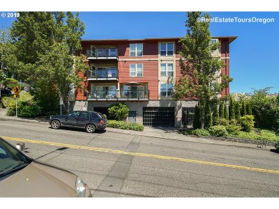 Condo/Townhouse For Sale: 1033 SW Gibbs St #201