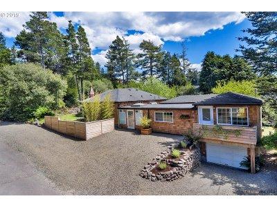 Manzanita Single Family Home For Sale: 428 N Cedar St