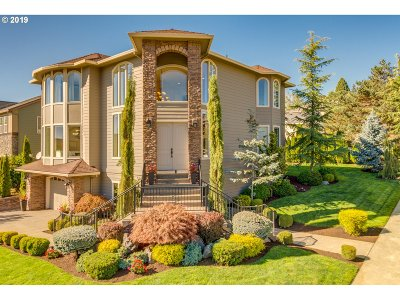 Clackamas County Single Family Home For Sale: 14687 SE Pebble Beach Dr