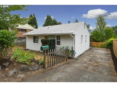 Single Family Home Sold: 2903 E 13th St
