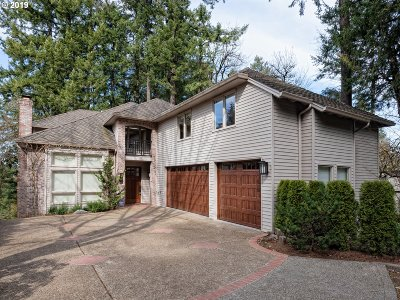 Lake Oswego Single Family Home For Sale: 3197 Alber Spring Ct