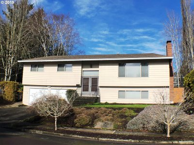 Beaverton Single Family Home For Sale: 11455 SW Bel Aire Ln