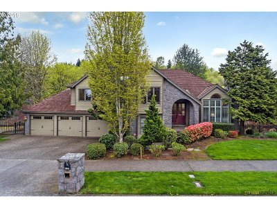 Lake Oswego Single Family Home For Sale: 2464 Palisades Crest Dr