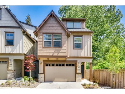Portland Single Family Home For Sale: 7874 SW Capitol Hill Rd