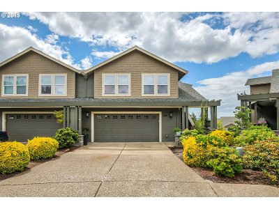Clackamas County Condo/Townhouse For Sale: 10341 SE Bristol Ct