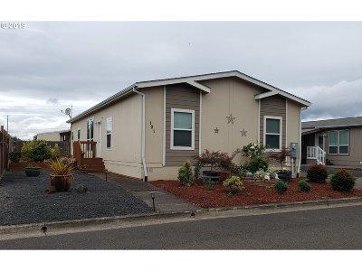 Newberg Single Family Home For Sale: 1000 Wilsonville Road #121