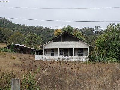 Roseburg OR Single Family Home For Sale: $385,000