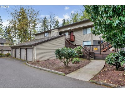 Tigard Condo/Townhouse For Sale: 14894 SW 109th Ave #32
