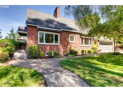 Multnomah County Single Family Home For Sale: 6120 SW 30th Ave