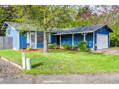 Wilsonville Single Family Home For Sale: 7913 SW Racquet Ct