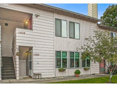 Beaverton Condo/Townhouse For Sale: 11628 SW Iron Horse Ln