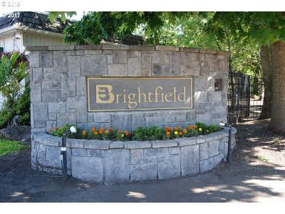 Portland Condo/Townhouse For Sale: 8625 SW Brightfield Cir