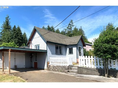 Coquille Single Family Home For Sale: 864 E 10th St