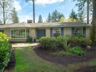 Vancouver Single Family Home For Sale: 311 Monterey Way
