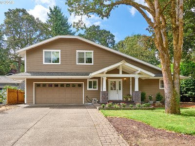 Lake Oswego Single Family Home For Sale: 1448 Cedar St