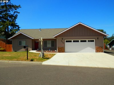 Coos Bay Single Family Home For Sale: 868 Sanford St