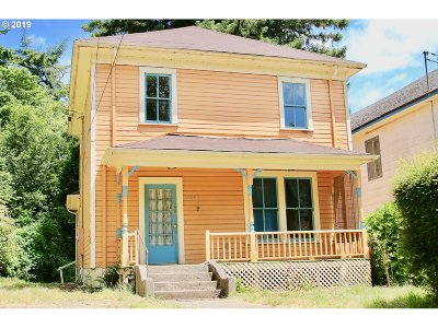 North Bend Single Family Home For Sale: 2626 Highway St