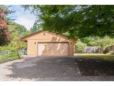 Sandy Single Family Home For Sale: 39595 Barker Ct