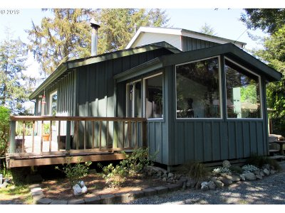 Bandon Single Family Home For Sale: 55370 Bates Rd