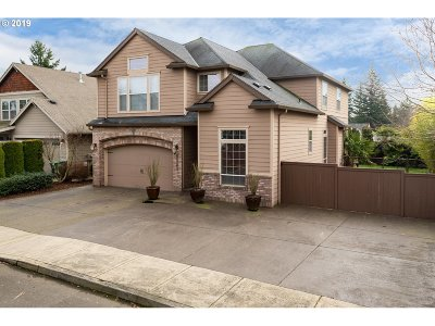 Clackamas Single Family Home For Sale: 15262 SE Mia Ct