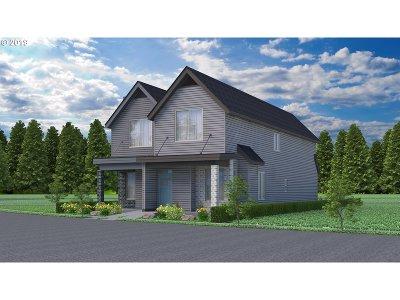 Salem Single Family Home For Sale: 3808 SE Village Center Dr