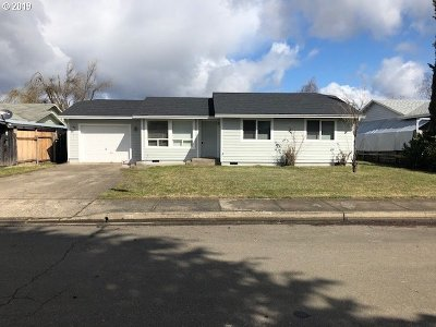 Sutherlin Single Family Home For Sale: 171 Valley Ct