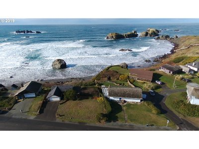 Bandon Single Family Home For Sale: 1370 Beach Loop Dr