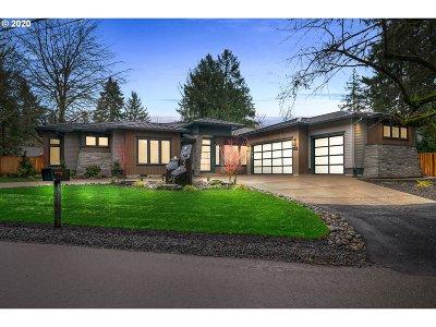 Lake Oswego Single Family Home For Sale: 1350 Andrews Rd