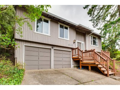 Multnomah County Single Family Home For Sale: 6303 SW 33rd Pl