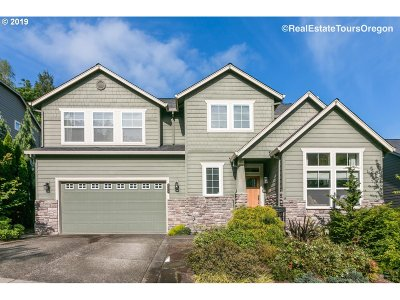 Portland Single Family Home For Sale: 8579 SW 71st Ter