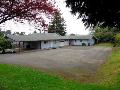 Coos Bay Single Family Home For Sale: 1120 S 10th