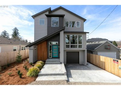 Clackamas County, Multnomah County, Washington County Multi Family Home For Sale: 7563 SE 37th Ave