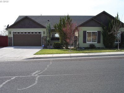 Umatilla County Single Family Home For Sale: 2127 NW Dusk Dr