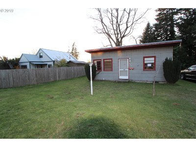 North Bend Single Family Home For Sale: 2860 Brussells