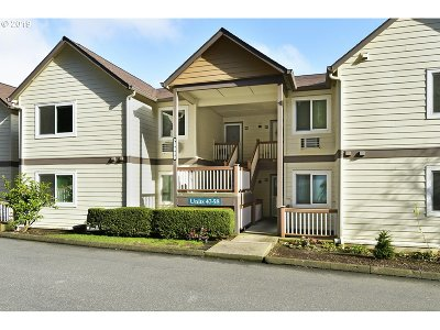 West Linn Condo/Townhouse Bumpable Buyer: 20080 Larkspur Ln #56