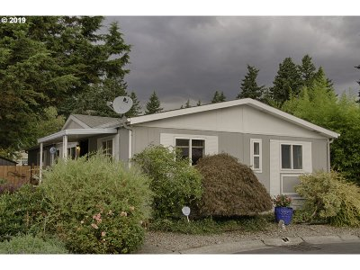 Portland Single Family Home For Sale: 16000 SE Powell Blvd #6