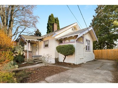Portland Single Family Home For Sale: 4244 SE 16th Ave