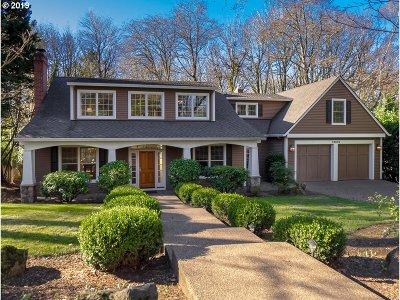 Lake Oswego Single Family Home For Sale: 13915 Sundeleaf Dr