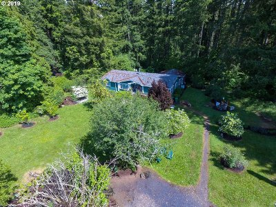 Scappoose Single Family Home For Sale: 51998 Rabinsky Rd