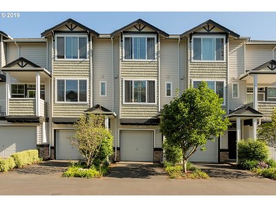 Beaverton Condo/Townhouse For Sale: 15440 SW Mallard Dr #103