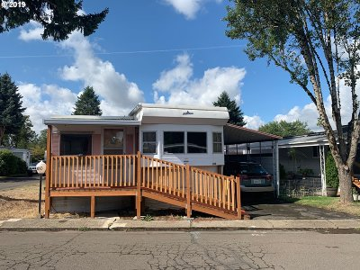 Portland Single Family Home For Sale: 16901 SE Division St #100