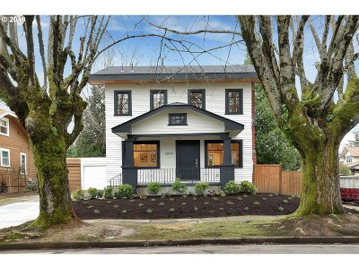 Portland Single Family Home For Sale: 2804 NE 35th Pl