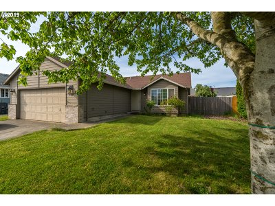 Molalla Single Family Home For Sale: 1201 Meadow Dr