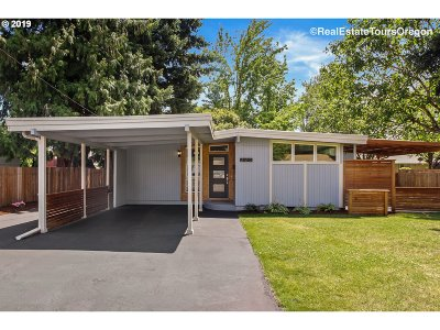 Wilsonville, Canby, Aurora Single Family Home For Sale: 225 SW 7th Ave