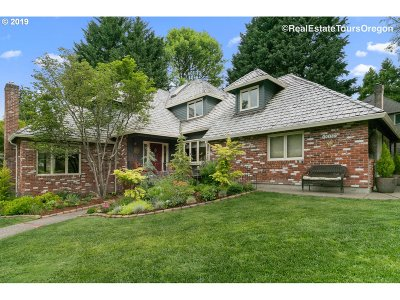 Lake Oswego Single Family Home For Sale: 18183 Westminster Dr