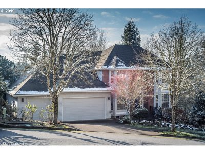 West Linn Single Family Home For Sale: 3528 Vista Ridge Dr
