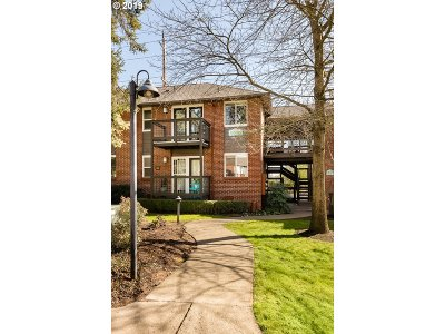Lake Oswego Condo/Townhouse For Sale: 526 S State St #5a
