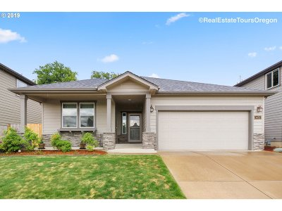 Forest Grove Single Family Home For Sale: 3452 Oakcrest Dr